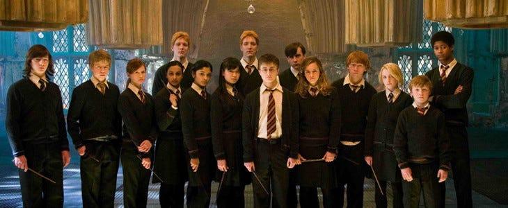 Ginny Weasley avec les autres membres de l'Armée de Dumbledore.
