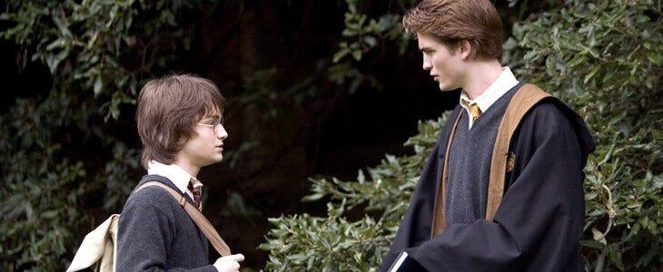 Cedric Diggory vient en aide à Harry Potter dans le quatrième opus