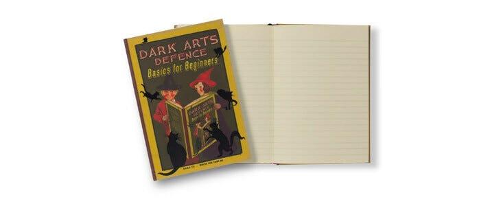 Le carnet Défense contre les Forces du Mal pour Débutants est disponible sur la boutique officielle.