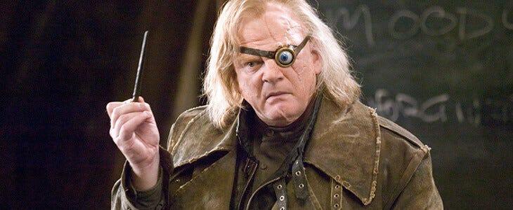 Brendan Gleeson incarne Alastor Maugrey dans Harry Potter et la Coupe de Feu.