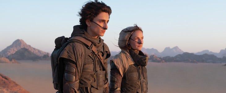 Timothée Chalamet et Rebecca Ferguson dans le film Dune.