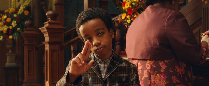 Le jeune Jahzir Bruno incarne Charlie dans Sacrées Sorcières.