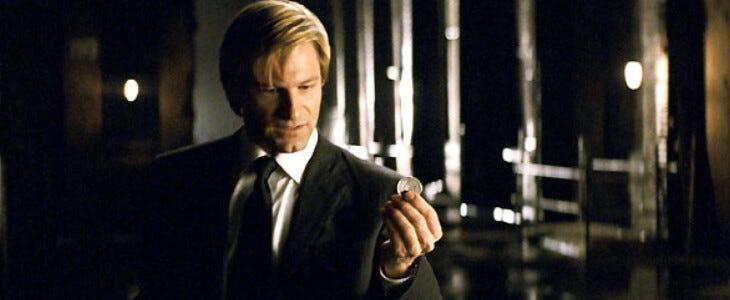 Aaron Eckhart en Double-Face dans The Dark Knight.