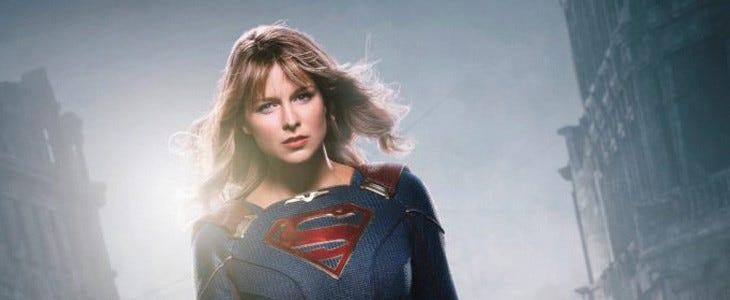 Melissa Benoist enfile un nouveau costume dans la saison 5 de Supergirl.