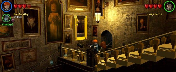 Dans le jeu vidéo LEGO Harry Potter, les joueurs peuvent interagir avec certains tableaux.