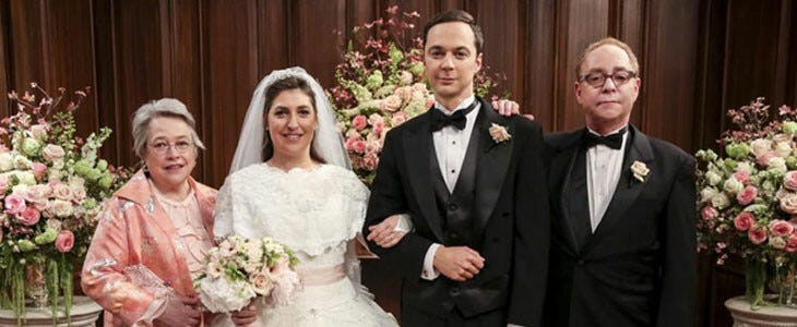Amy et Sheldon, dans The Big Bang Theory.